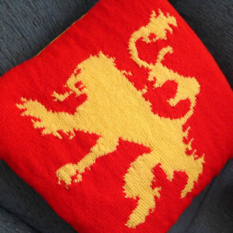 Knitting Pattern for Lannister Cushion