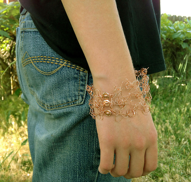 Free knitting pattern of Lark Cuff and bracelet knitting patterns