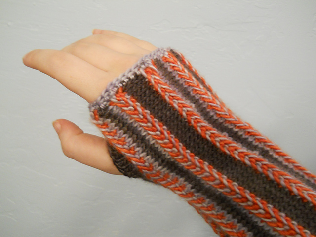 Knitting pattern for Latvian Braid Mitts and more wristwarmer knitting patterns