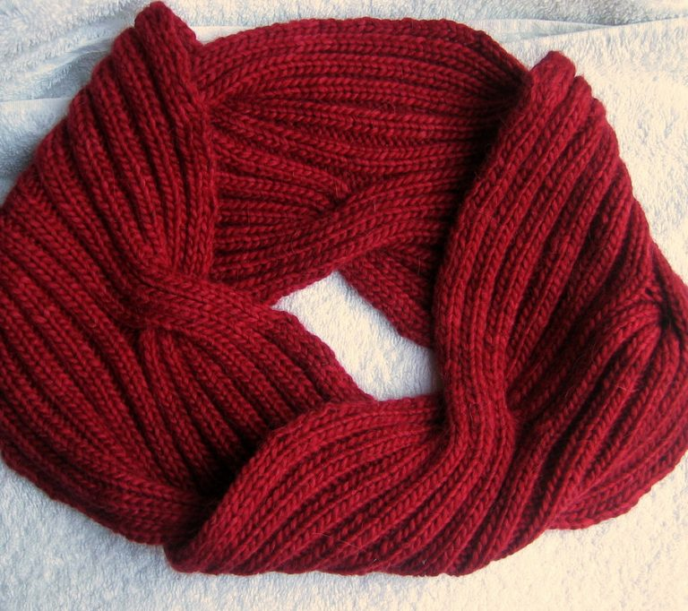 Free Knitting Pattern for Lava Cowl moebius cowl with reversible cables