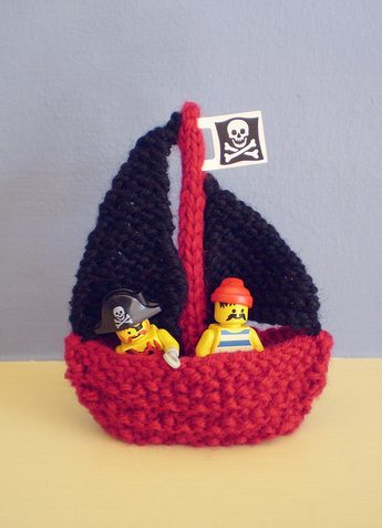 Free knitting pattern for Little Boat toy