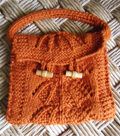 Free knitting pattern for Little Knitted Pouch
