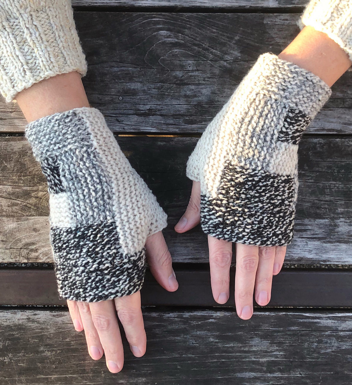 Free Knitting Pattern for Log Cabin Mitts