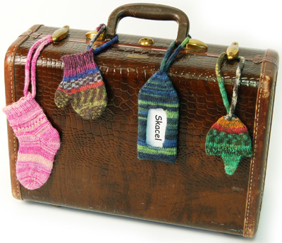 Free knitting pattern for Luggage Finders Tags and more stash buster knitting patterns
