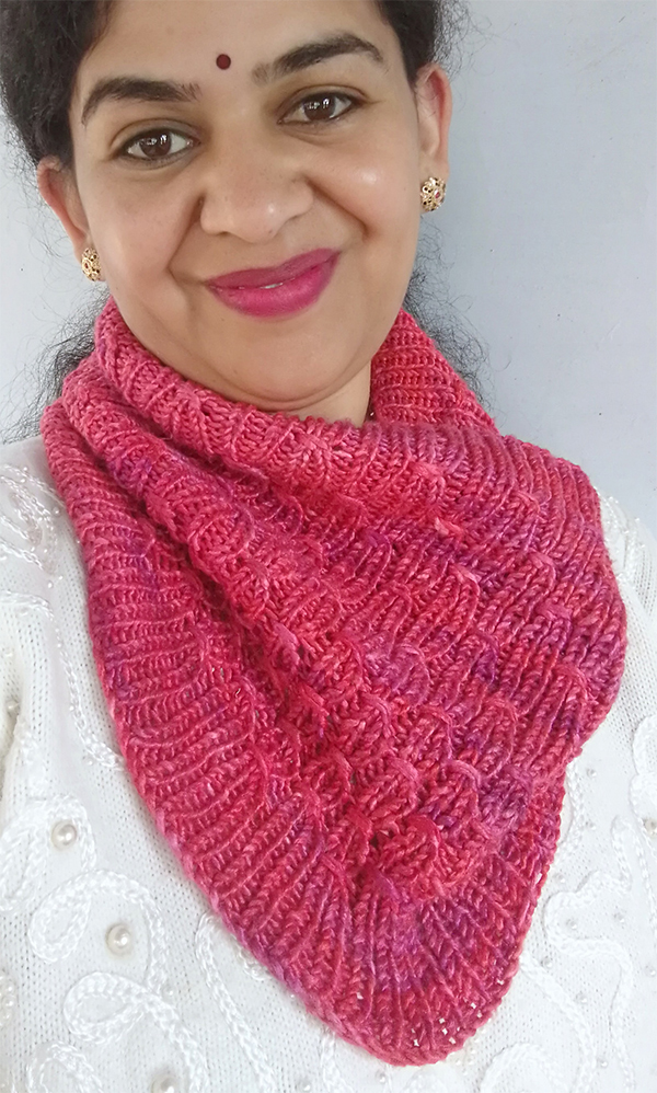 Free until March 31, 2020 Knitting Pattern for 1 Skein Reversible Mangal Cowl
