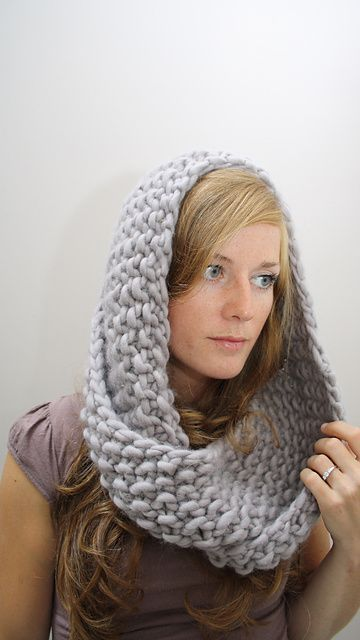 Free knitting pattern for Marian Cowl and more weekend knitting patterns