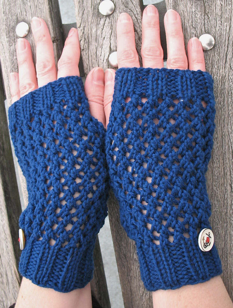 Free Knitting Pattern for Easy Mesh Handwarmers