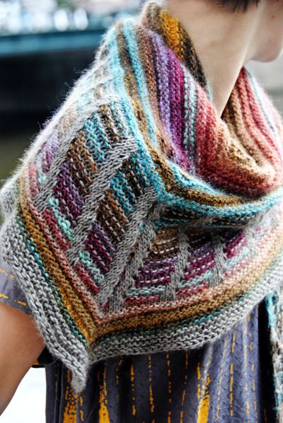 Free knitting pattern for Metalouse Shawl by Stephen West
