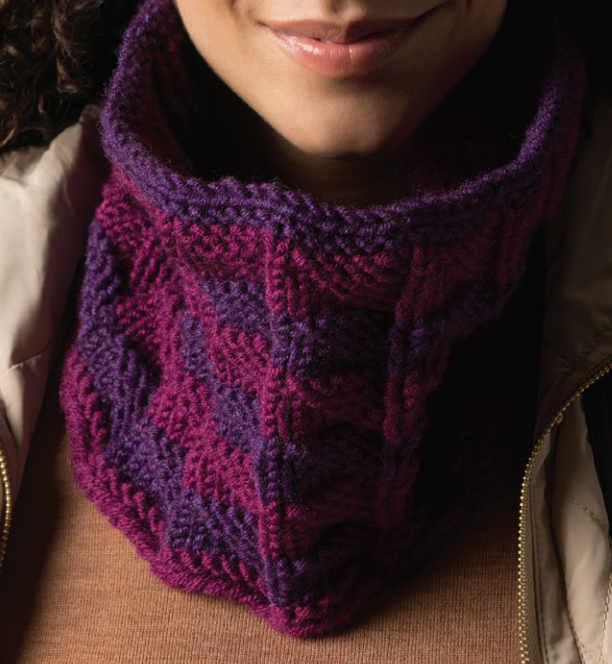 Free Knitting Pattern for Triangle Stitch Cowl
