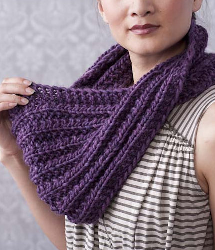 Free Knitting Pattern for 1 Row Repeat Mistake Rib Moebius Cowl