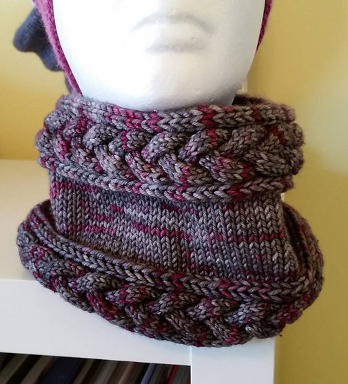 Free knitting pattern for Mistress Beauchamp's Cowl