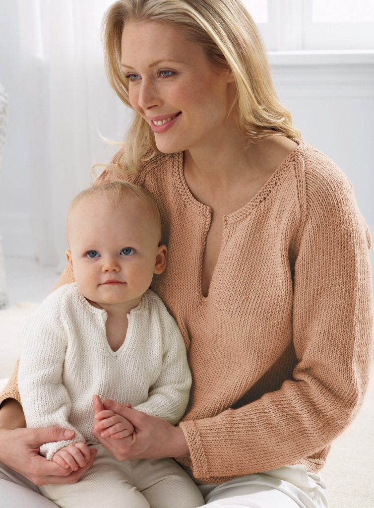 Free Knitting Pattern Mom and Baby Pullover matching sweaters