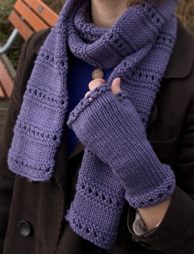 9120948663c Free Knitting Pattern for Montgomery Scarf and Mitts Set