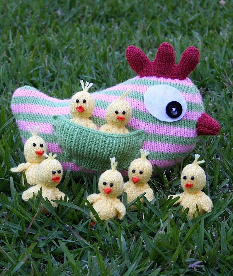 Knitting Pattern for Mother Hen and Chicks
