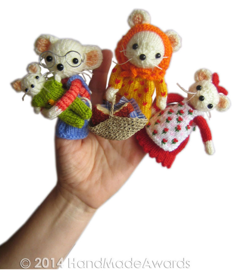 Knitting Pattern for Mouse Family Finger Puppets