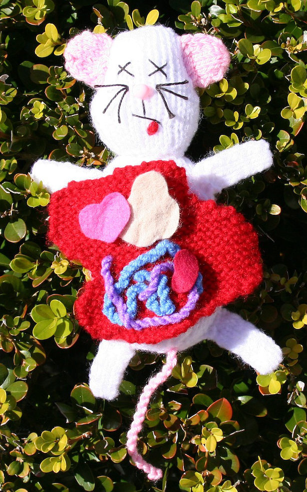 Free Knitting Pattern for Reversible Mouse Toy