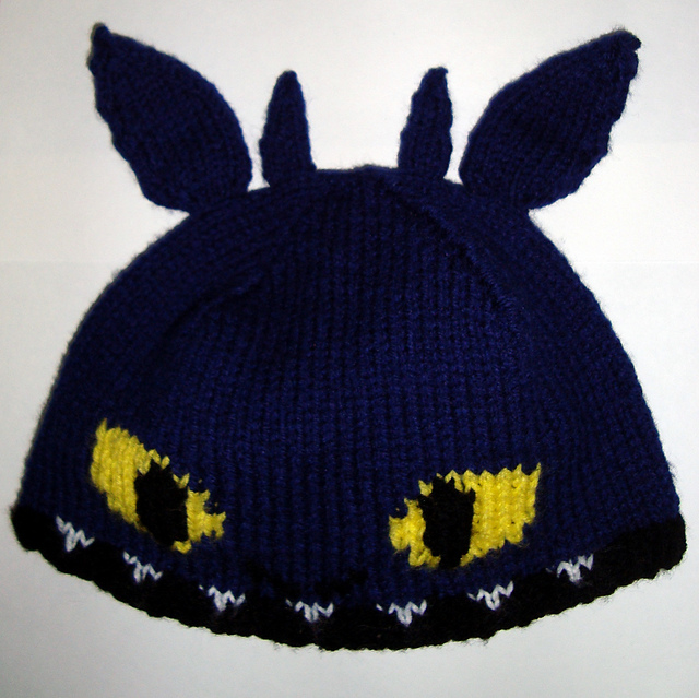 Free knitting pattern for How to Train Your Dragon Toothless Hat
