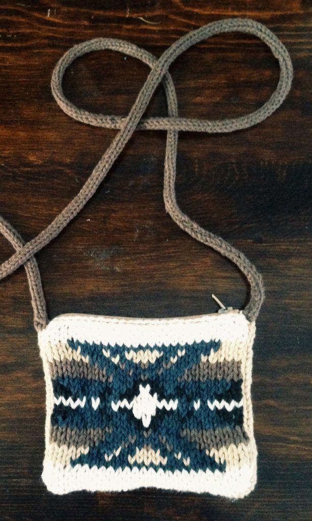 Knitting pattern for Navajo Purse Cross Body Zip Top Change Purse