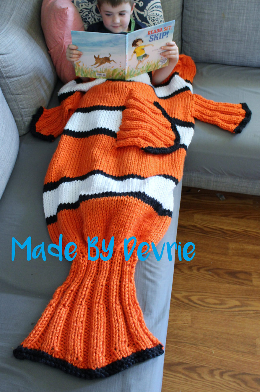 Knitting Pattern for Nemo Tail Blanket