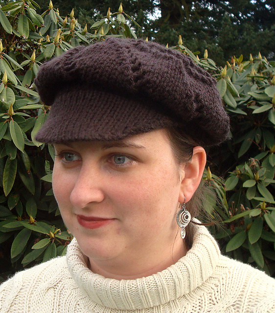 Free knitting pattern for News Girl Cap with lace pattern