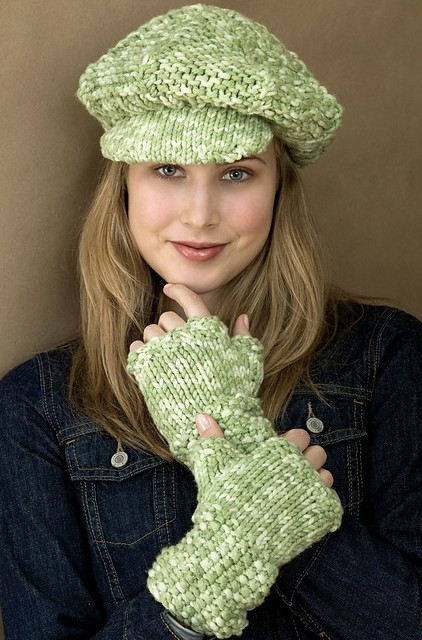 8c17d8ed0a8 Free knitting pattern for Newsboy Cap and matching fingerless gloves