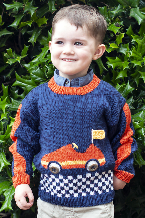 TRACTOR NEW HAND KNITTED SIZE 2
