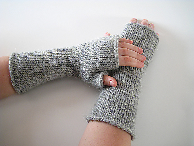 Free knitting pattern for One Hour Mitts and more one day knitting patterns