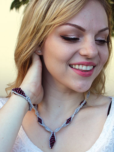 Paloma Necklace & Bracelet Free Knitting Pattern