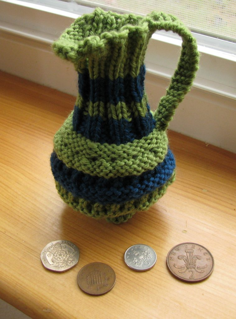 Free Knitting Pattern Pence Jug Coin Purse
