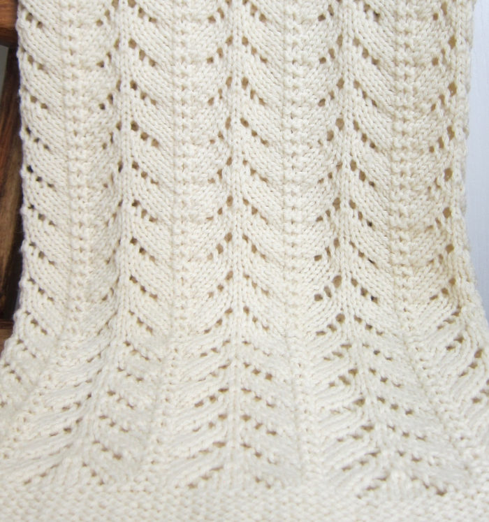Free Knitting Pattern for 6 Row Repeat Petit Pins Baby Blanket