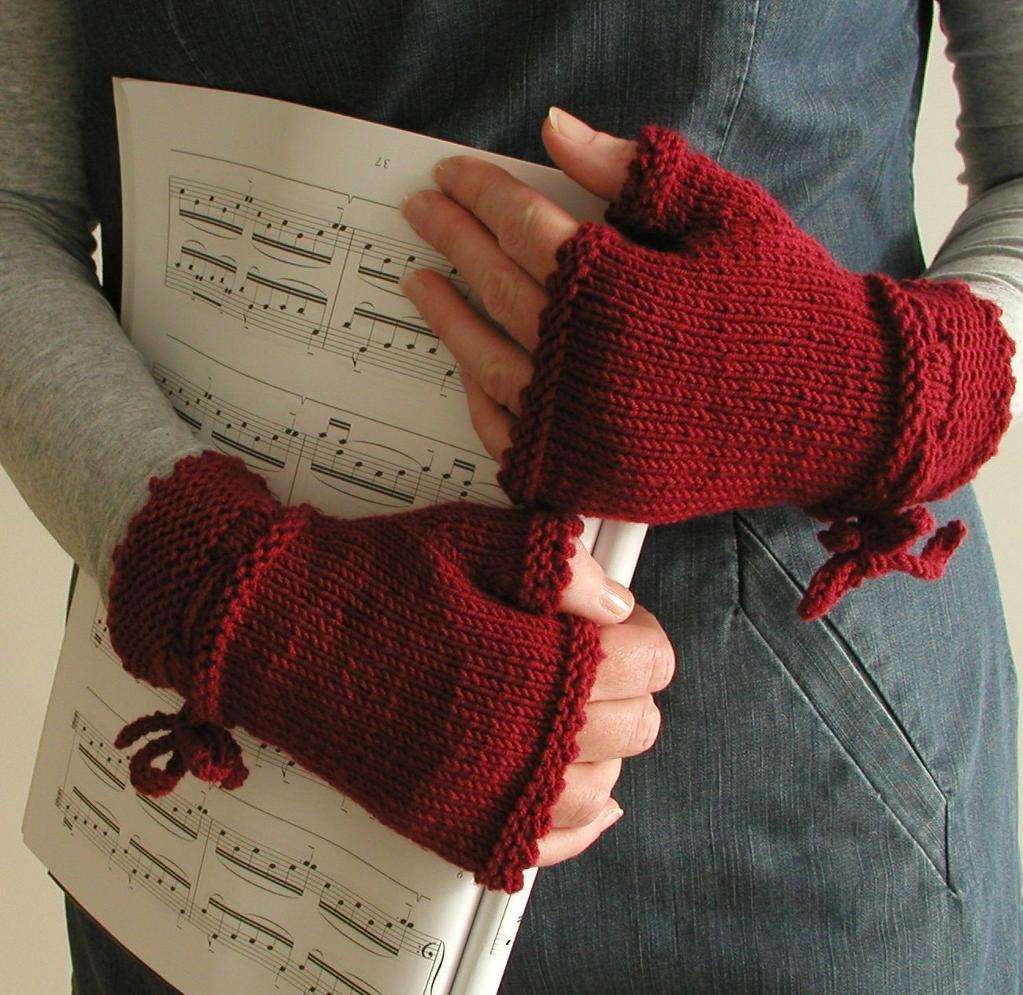 Knitting pattern for Piano gloves - fingerless mitts inspired by the movie The Piano