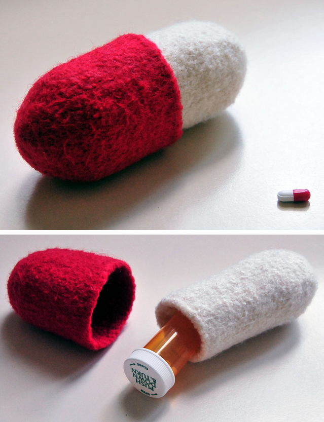 Free Knitting Pattern for Pill Shaped Case