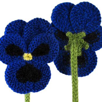 Pansy Flower Free Knitting Pattern | Flower Knitting Patterns, many free patterns at http://intheloopknitting.com/free-flower-knitting-patterns/