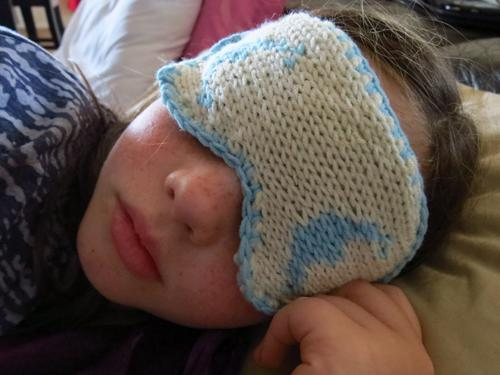 Free knitting pattern for Pongola Sleep Mask and more last minute gift ideas