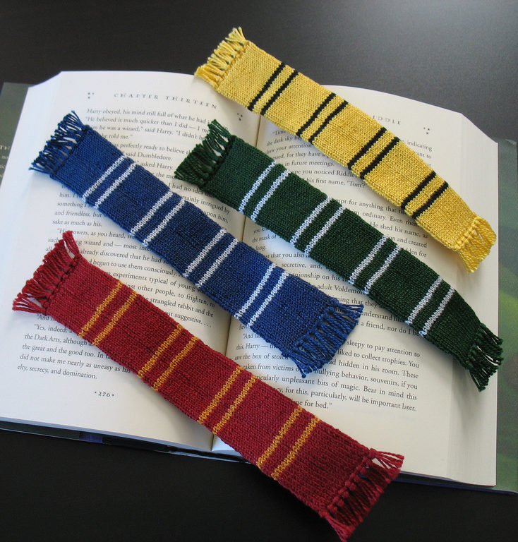 Free Knitting Pattern for Harry Potter Bookscarf