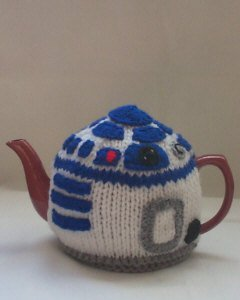 R2D2 Tea Cosy Knitting Pattern and more Star Wars inspired knitting patterns