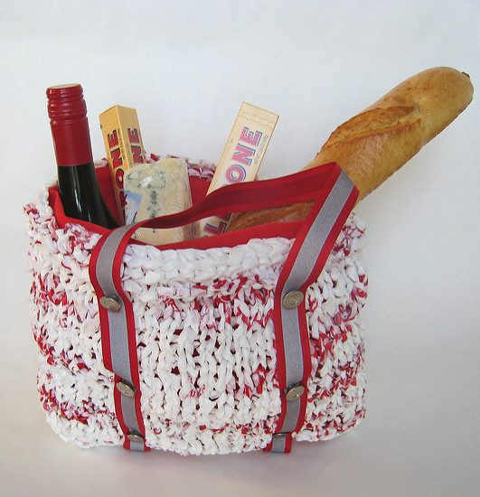Free knitting pattern for tote bag made with plastic bags