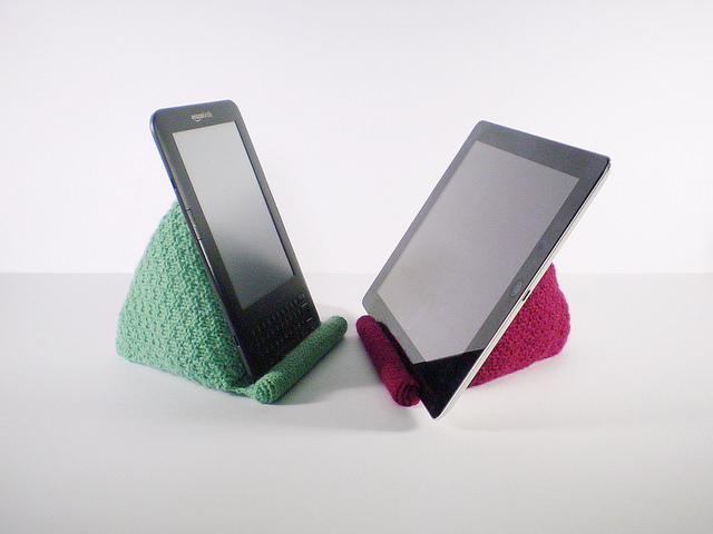 Free knitting pattern for tablet Reading Rest knitting pattern and more device knitting patterns
