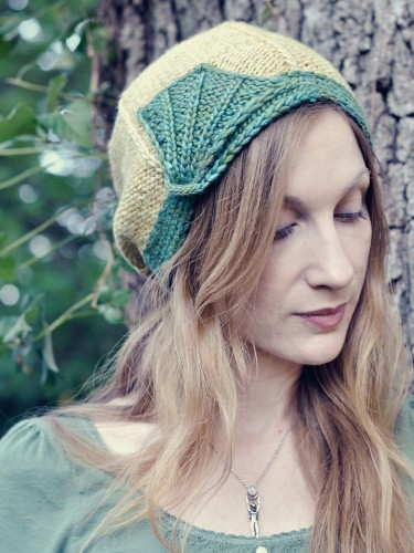 Regina Free Cloche Hat Knitting Pattern inspired by Art Deco  6dc37093913