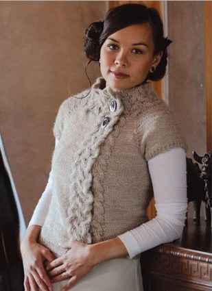 Knitting with Rosamund Cardigan with short sleeves and braided cable