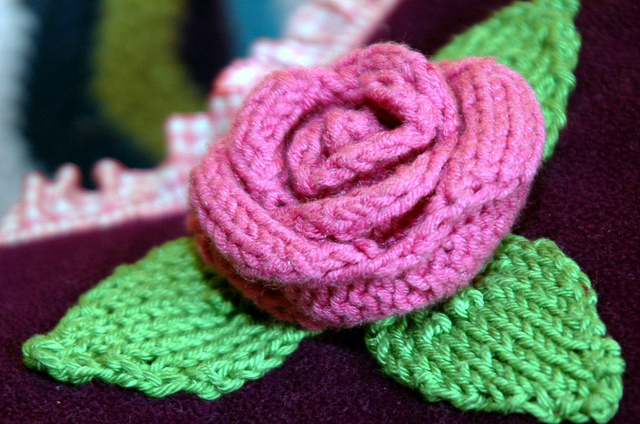 Rose Flower Free Knitting Pattern | Flower Knitting Patterns, many free patterns at http://intheloopknitting.com/free-flower-knitting-patterns/