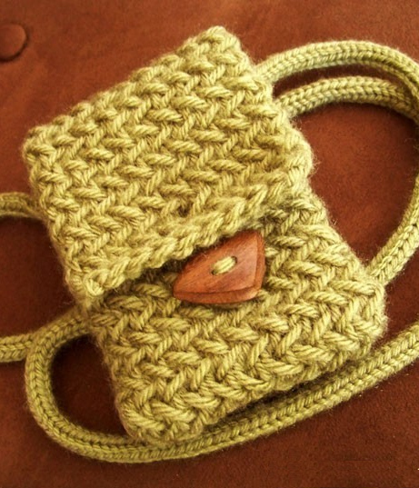Knitting pattern for Rustic Phone Case
