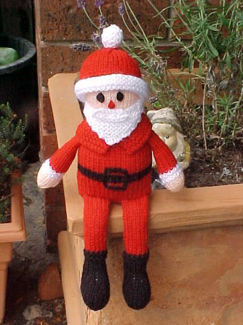 Free knitting pattern for Santa shelf toy and more Christmas knitting patterns