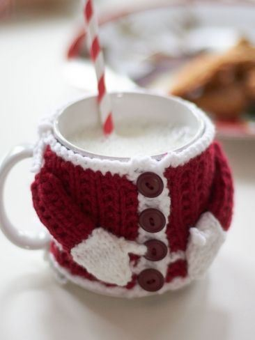 Santa's Mug Cozy Free Knitting Pattern and more cosy knitting patterns
