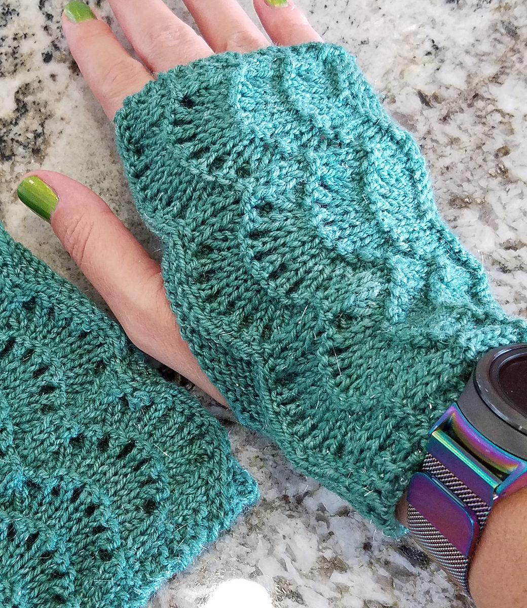 Free Knitting Pattern for Scalloped Fingerless Gloves