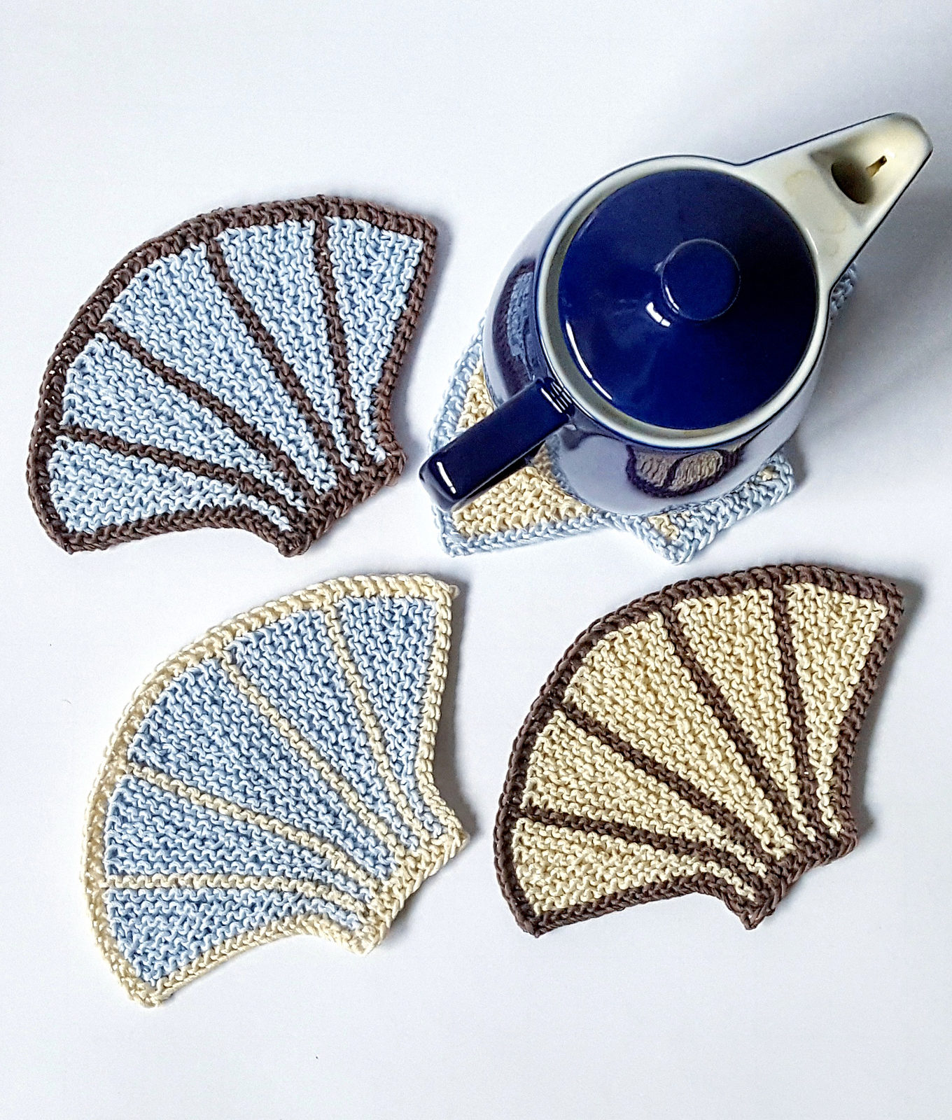 Free Knitting Pattern for Seashell Coasters