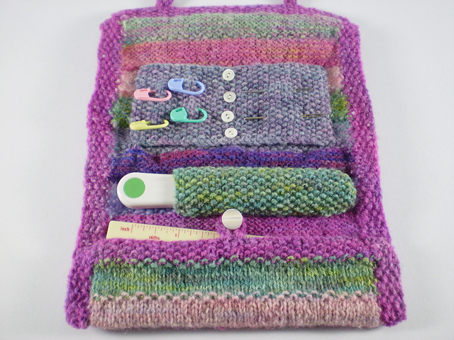 Free knitting pattern for knitting or crochet supplies holder
