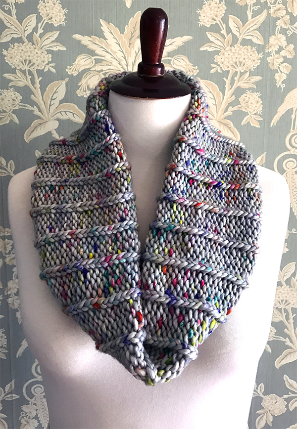 Free Knitting Pattern for Simple Slipped Ribbed Cowl