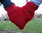 Smitten mittens for hand holding free knitting pattern. More free knitting patterns at www.terrymatz.biz/intheloop