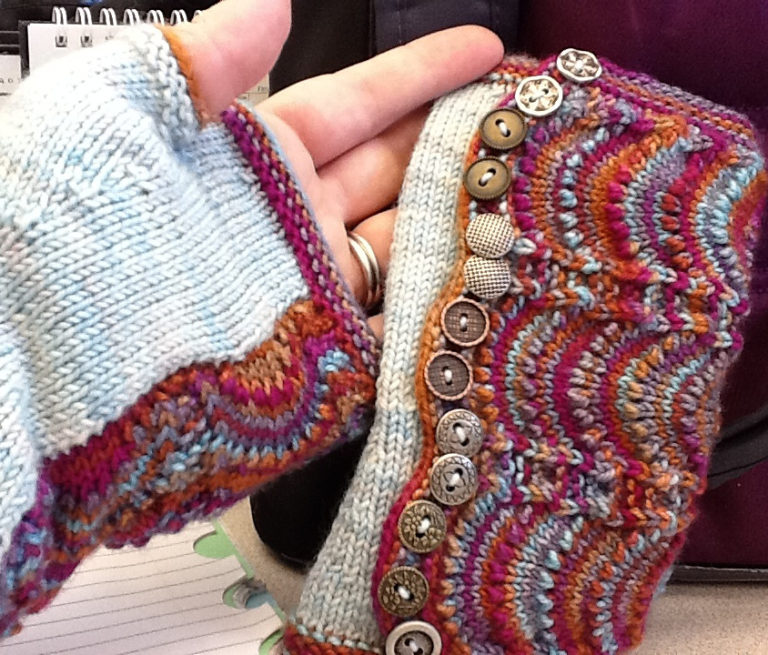 Free Knitting Pattern for Spatterdash Wristwarmers